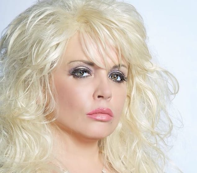 Dolly Parton Tribute Heads To Strand Arts Centre Businessfirst