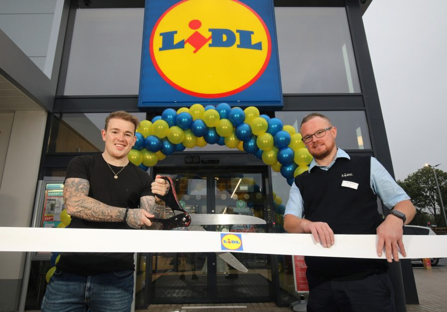Lidl Northern Ireland today welcomed shoppers to its brand-new, £8 million state-of-the-art store at Buncrana Road